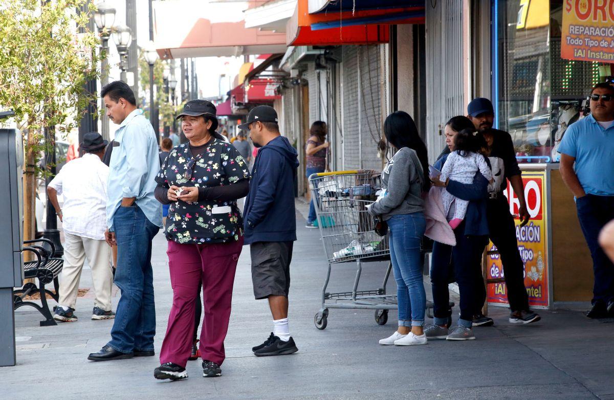 Latinos en L.A. (Archivo/La Opinión)