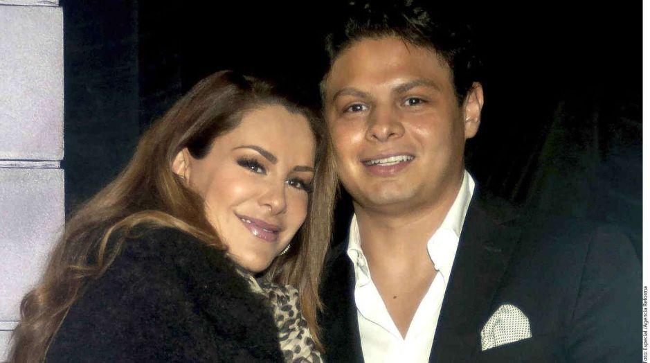 """Giovanni Medina publica foto de su hijo Emmanuel: """"Tú el amor de mi vida"""""""