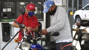 Las claves de la histórica decisión de Maduro de poner fin a décadas de combustible casi gratis