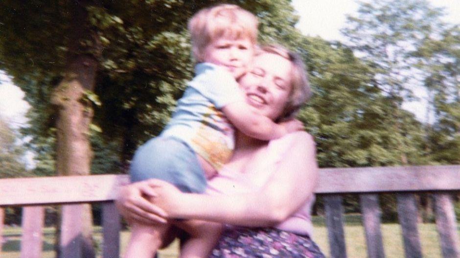 """""""Después de que mi madre murió, nadie habló de ella durante 15 años"""""""