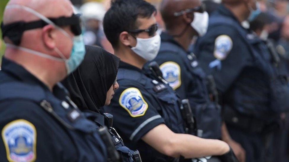 Protestas contra el racismo: qué piensan los policías de Estados Unidos de los manifestantes
