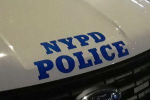 NYPD busca al esposo de inmigrante hispana por homicidio de ésta y sus dos hijos en Queens