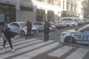 Policías de Nueva York amenazan con huelga el 4 de julio en medio de tensiones con el alcalde y activistas