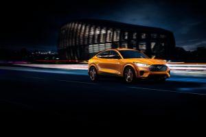 Mustang Mach-E GT 2021 ahora se ofrece en el icónico color Cyber Orange