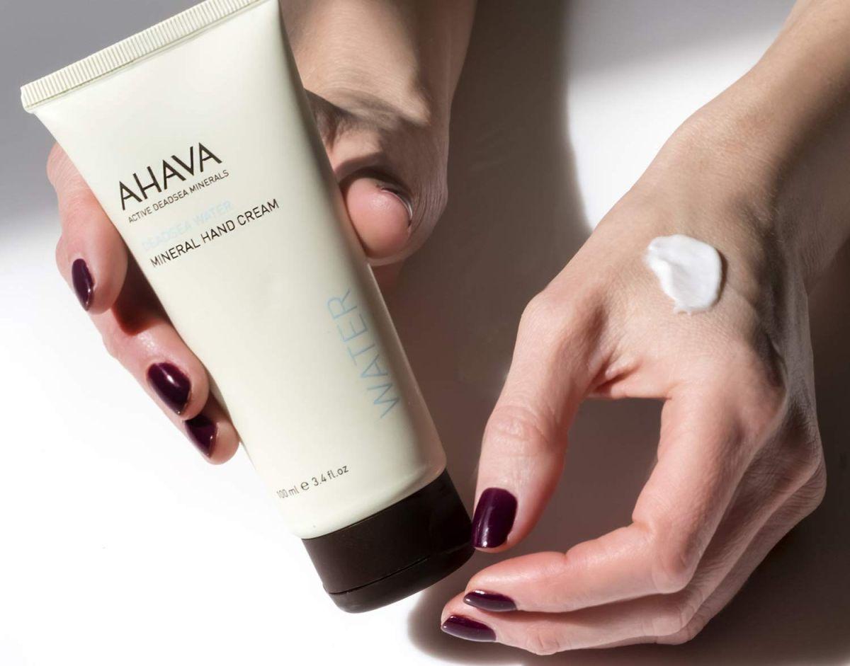 Las mejores cremas humectantes para manos que puedes llevar siempre en tu cartera