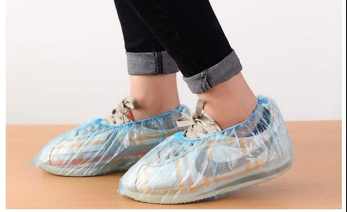Fundas cubre zapatos: Evita entrar a tu casa con tus zapatos llenos de bacterias y suciedad