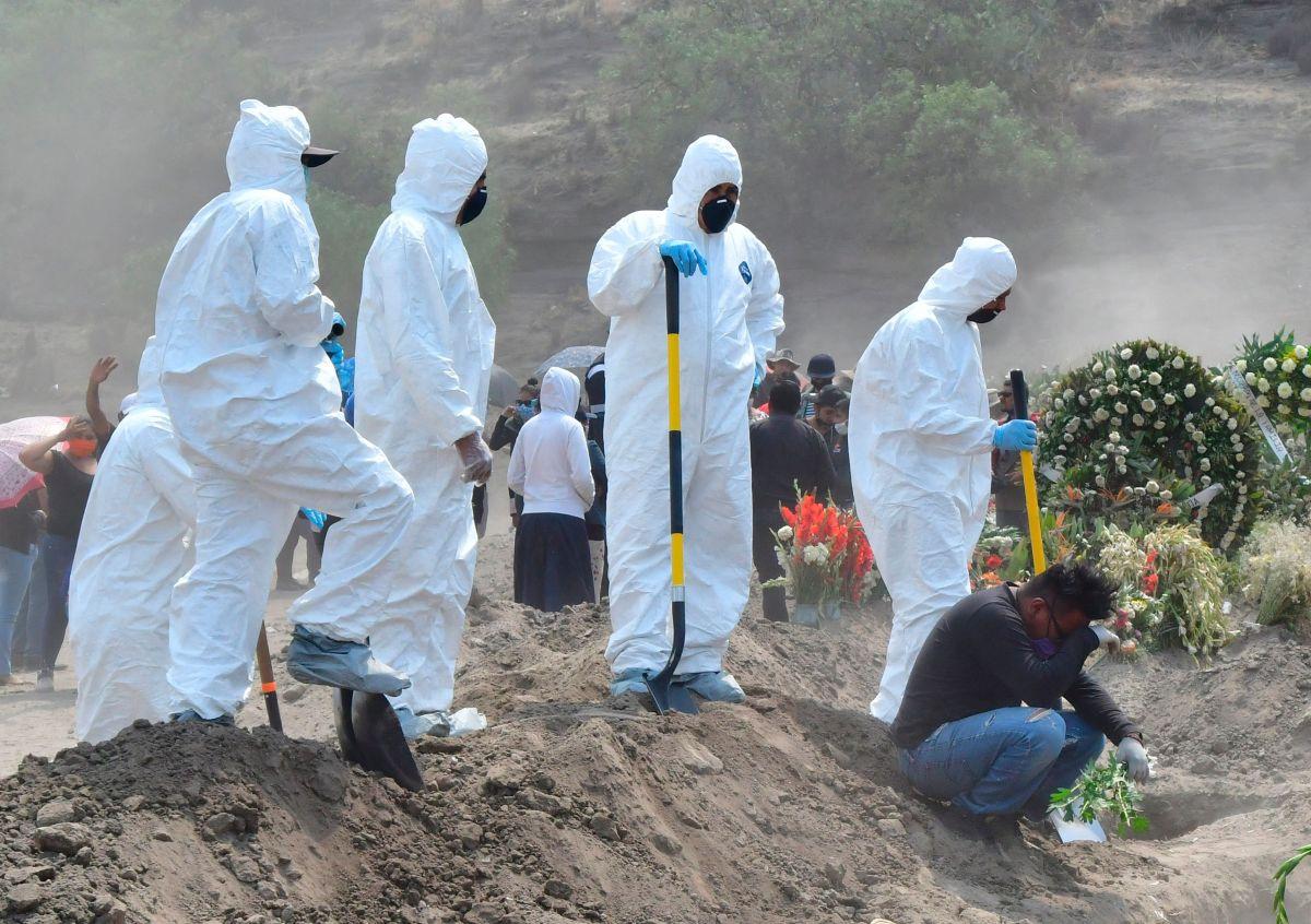 Hallan 13 cuerpos en narcofosa en Veracruz