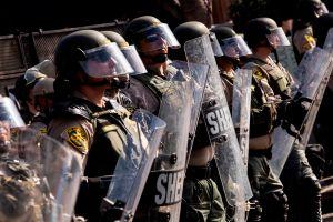 Autoridades de Compton, California rechazan el violento arresto de un joven por parte del Departamento del Sheriff