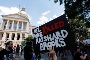 Protestas sacuden a Atlanta tras la muerte de otro joven afroamericano por la policía