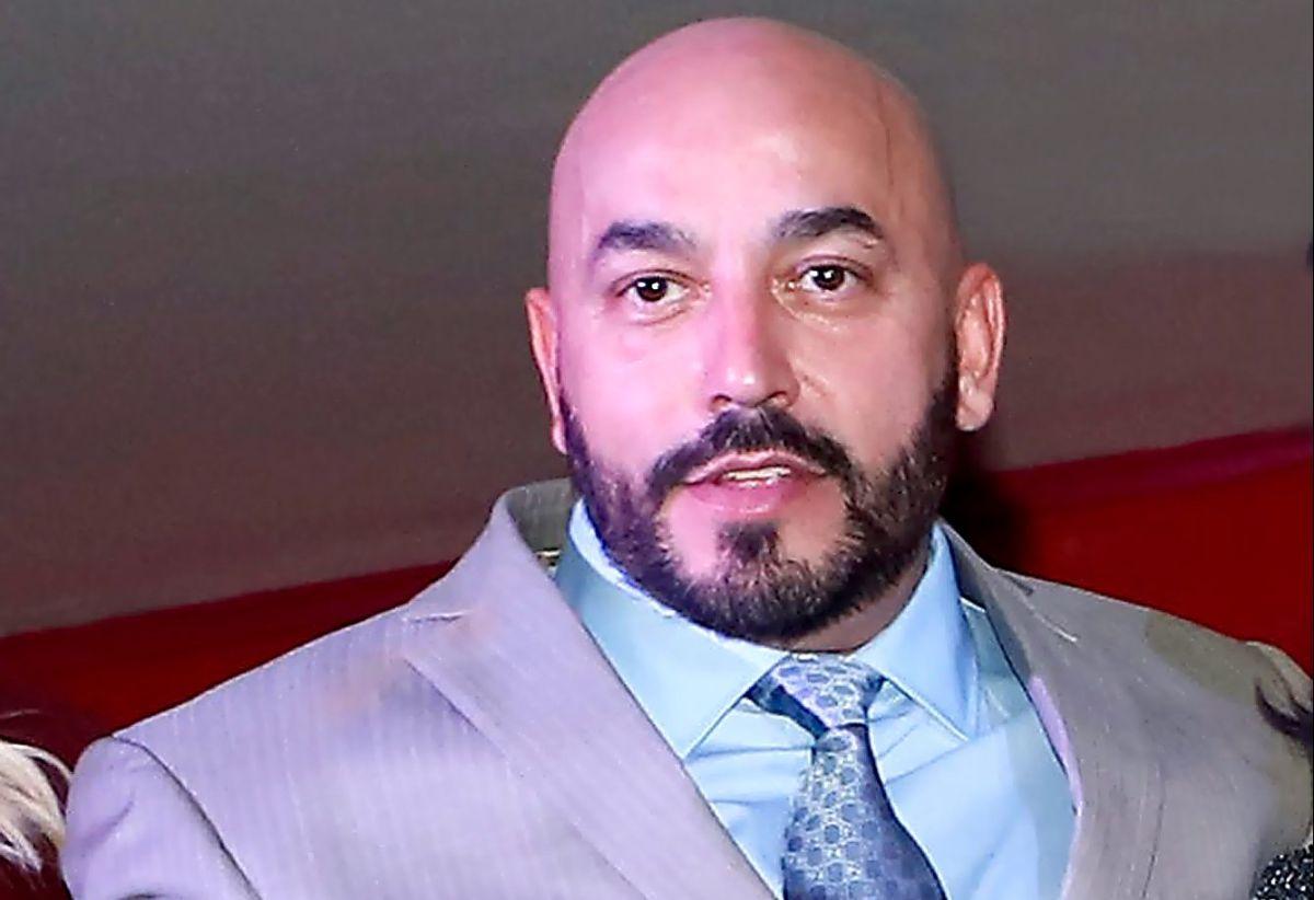 """Lupillo Rivera recibe críticas tras decir que """"él comió primero en la mesa"""", refiriéndose a Belinda"""