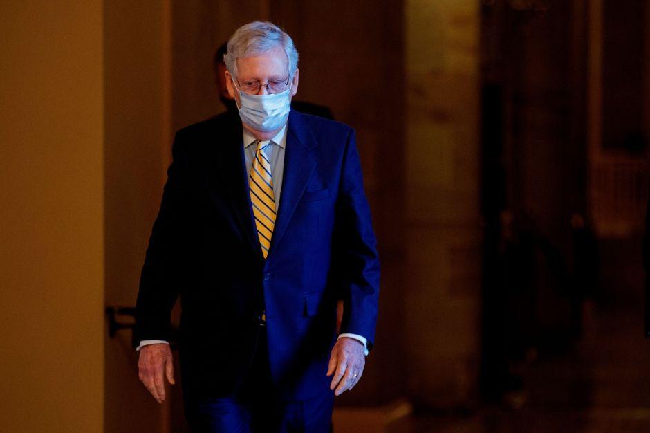 Senadores republicanos aceptan que negociarán nuevo estímulo en julio