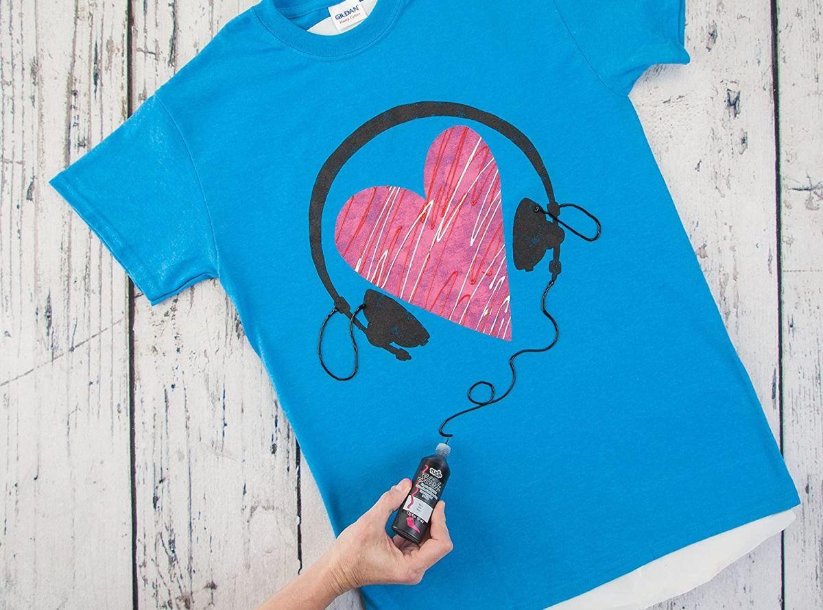 Los mejores 5 sets de pinturas para tela que puedes usar para pintar tu ropa por ti misma