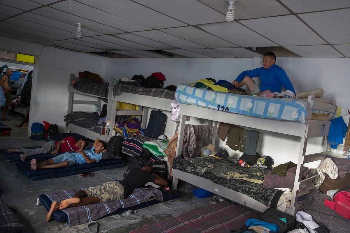 Migrantes en peligro por brote de coronavirus en albergue en México.
