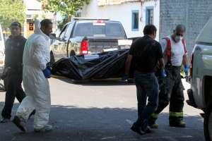 Familia es atacada con más de 25 balazos y matan a 2 en territorio del Mencho y el CJNG