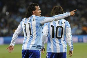Cristiano, Messi y Pirlo… El espectacular equipo que quiere Carlos Tévez para su despedida