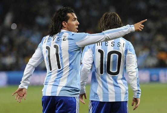 Carlos Tévez y Lionel Messi en la selección de Argentina.