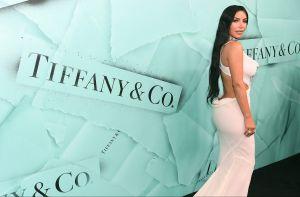 Joselyn Cano, la Kim Kardashian mexicana, posa con un hilo rojo sin sostén y Jailyne Ojeda reacciona