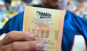 Pareja que llevaba 38 años jugando a la lotería obtuvo los $410 millones del Mega Millions