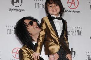 Criss Angel anuncia con tristeza que su hijo de seis años tiene cáncer de nuevo