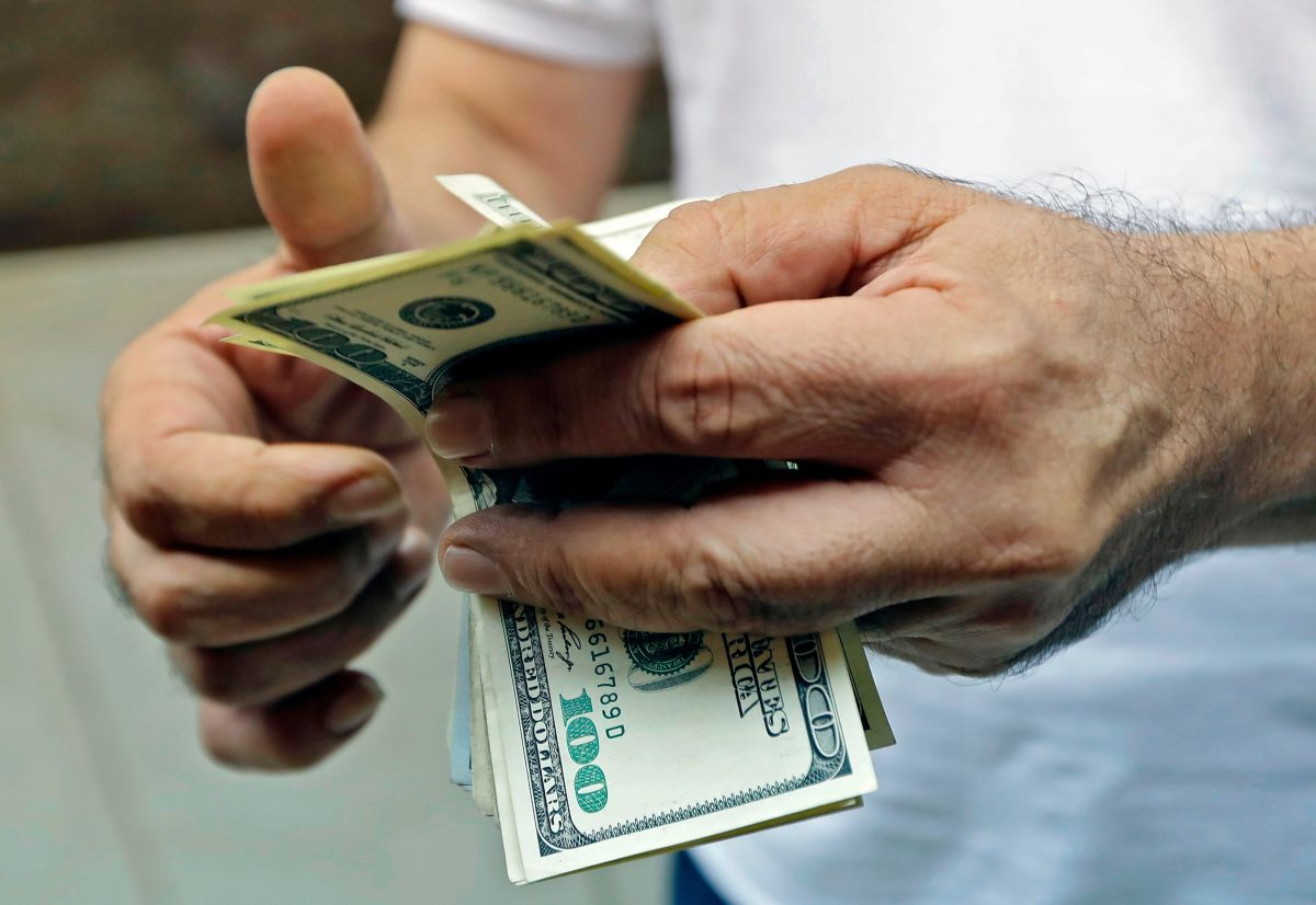 Millones de beneficiarios del cheque de estímulo aún esperan por su llegada.
