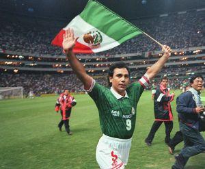 Hugo Sánchez revela que convenció a los hermanos Dos Santos y a Nery Castillo de elegir a la Selección Mexicana