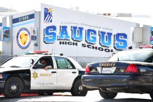 Recortan presupuesto de Policía Escolar de Los Ángeles y destinarán el dinero a programas sociales