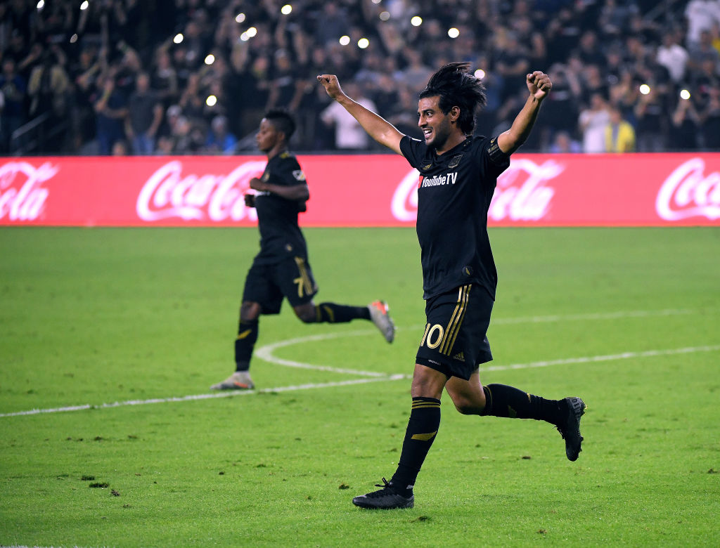 Carlos Vela celebrando un gol con LAFC.