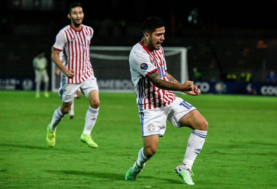 El reemplazo de Nico Castillo en América llegaría desde Paraguay