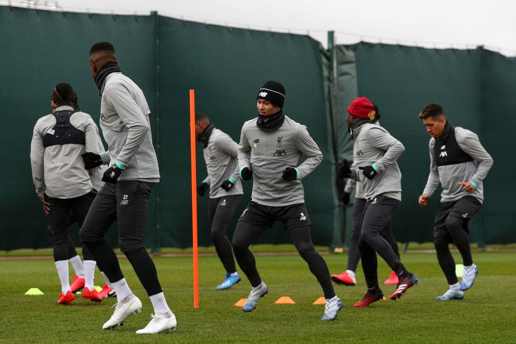 Liverpool en una sesión de entrenamiento previa al COVID-19.