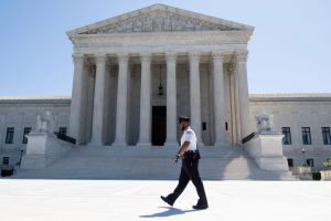 Tribunal Supremo falla en contra de exigir que el voto por correo sea ante testigos