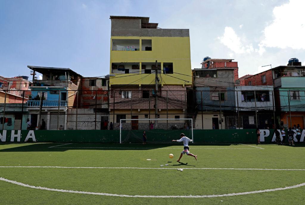 """Infectados vs. negativos"", el polémico partido de fútbol que tiene escandalizada a toda España"