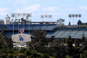 Demandan a Dodgers de Los Ángeles por discriminación hacia una familia latina debido a su apariencia física
