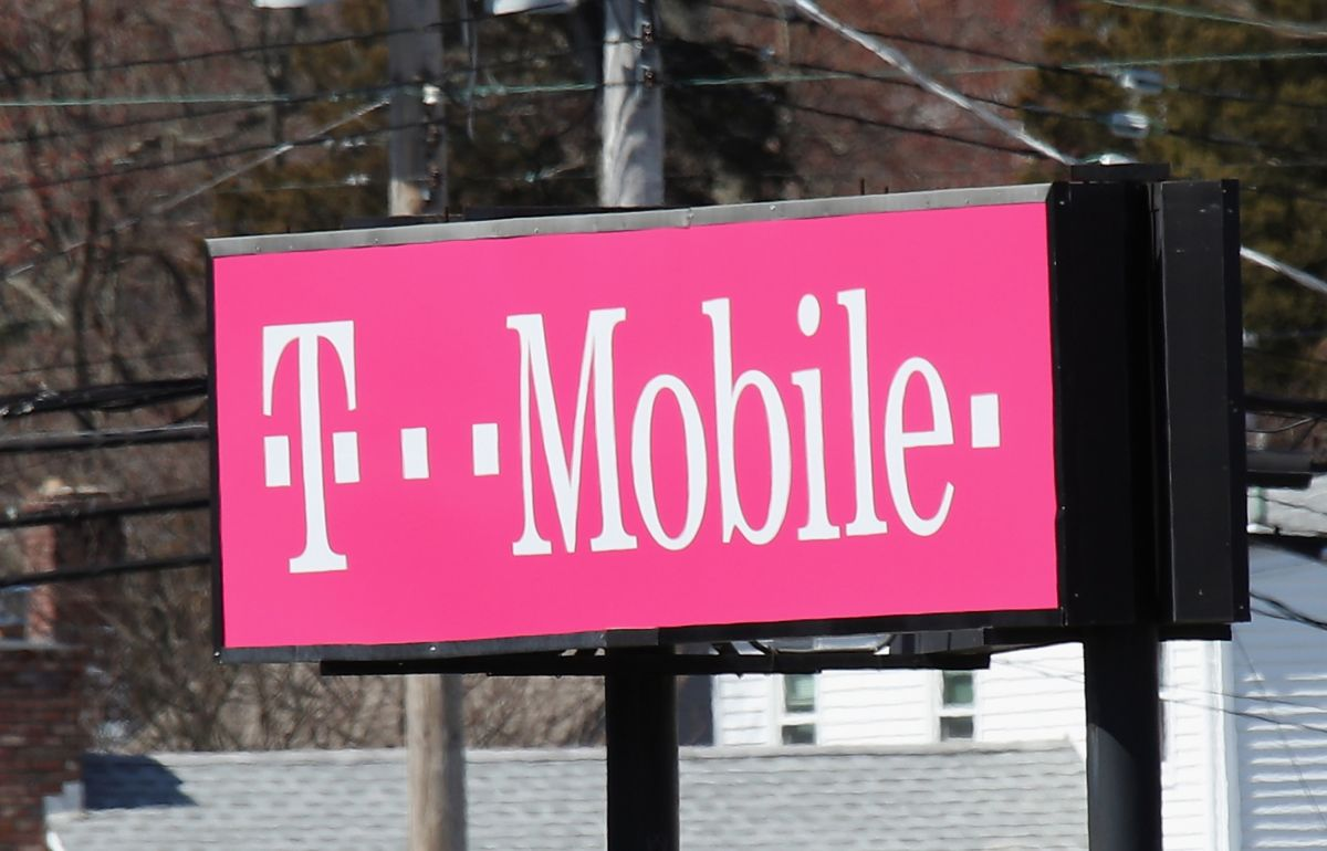 """El """"apagón"""" provocó casi 80,000 quejas en el servicio de T-Mobile."""