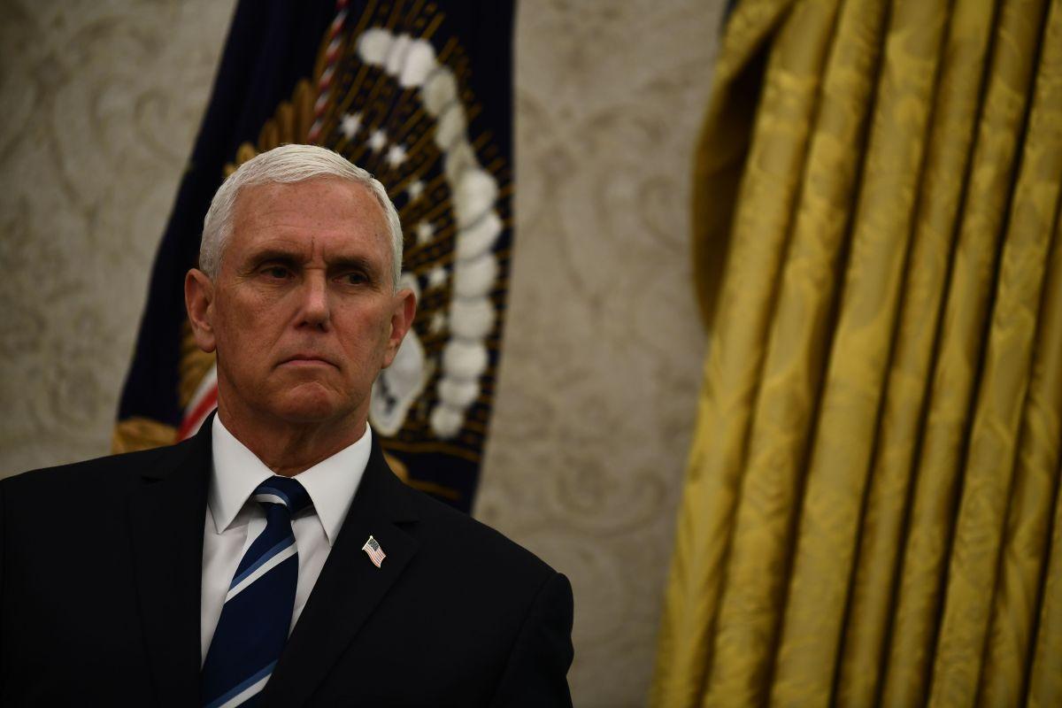 """Mike Pence instó a dar la imagen de que se está """"reabriendo el país con seguridad""""."""