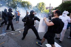 Brutalidad policial tiene gran impacto en latinos pero no repercusión nacional, reconoce congresista