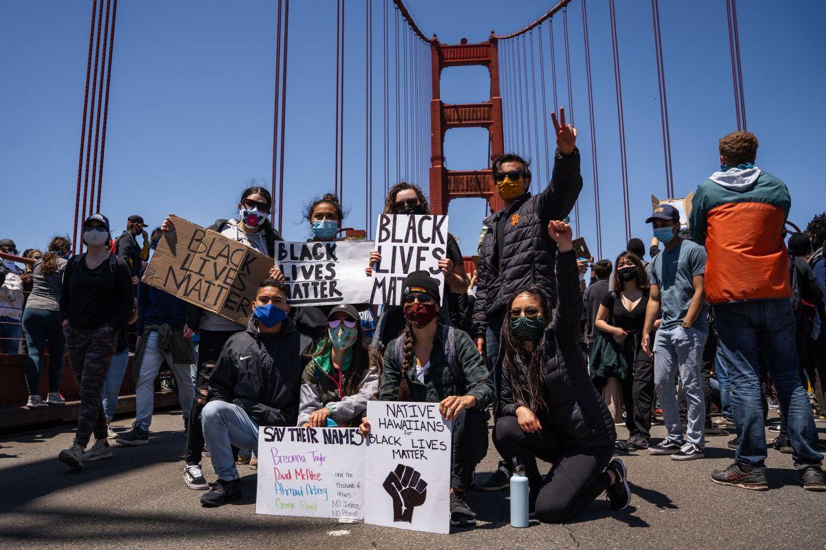 Atacan las estatuas de Cervantes y Fray Junípero Serra en California