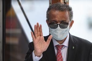 """Estamos en una fase """"nueva y peligrosa"""" de la pandemia de COVID-19, advierte la OMS"""