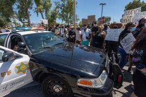 Otro afroamericano aparece ahorcado en un árbol en el sur de California