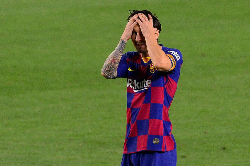 Lionel Messi lamentándose.