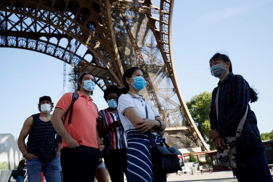 La Torre Eiffel reabre después de un cierre de 104 días por coronavirus, el uso del cubrebocas es obligatorio