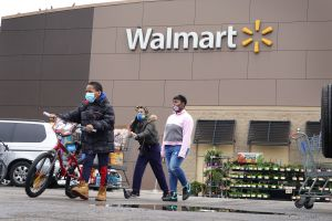 Walmart dejará de exhibir la bandera de Mississippi en sus tiendas por su asociación con la Confederación