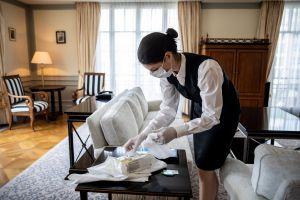 Aumentan casos de COVID-19 entre trabajadores de hoteles