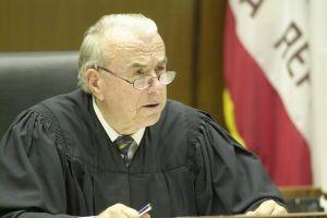 Juez de Orange County no desestimará los cargos de abuso sexual que enfrenta un popular cirujano de Newport Beach