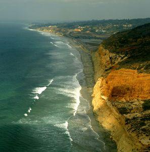 Cómo se levanta y hunde la costa en California: una guía para sus comunidades costeras