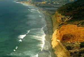 VIDEO: Padre suicida conduce hacia un acantilado de San Diego con sus gemelas de 2 años a bordo