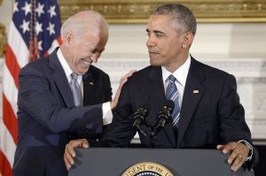"""Obama celebra decisión de Corte Suprema a favor de """"dreamers""""; pide votar por Biden para asegurarles ciudadanía"""