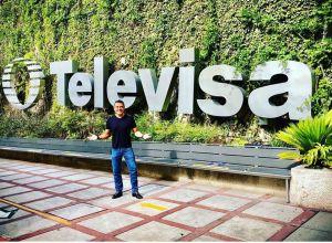 """Héctor Sandarti confirma su regreso a Televisa: """"Nos dio un alivio al alma ese día de tanto dolor"""""""