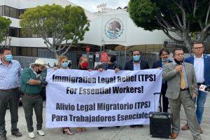 Piden a AMLO que apoye el TPS para trabajadores esenciales