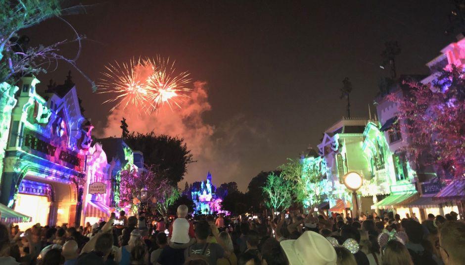 Petición de que Disneyland no abra sus puertas es firmada por decenas de miles de personas