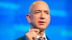 Jeff Bezos, el hombre más rico del mundo, responde a mensaje de cliente racista de Amazon